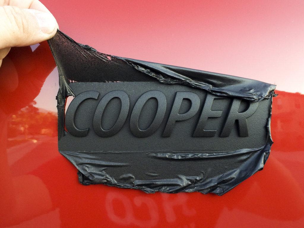 schicke auto embleme mit plasti dip plasti dip europe. Black Bedroom Furniture Sets. Home Design Ideas